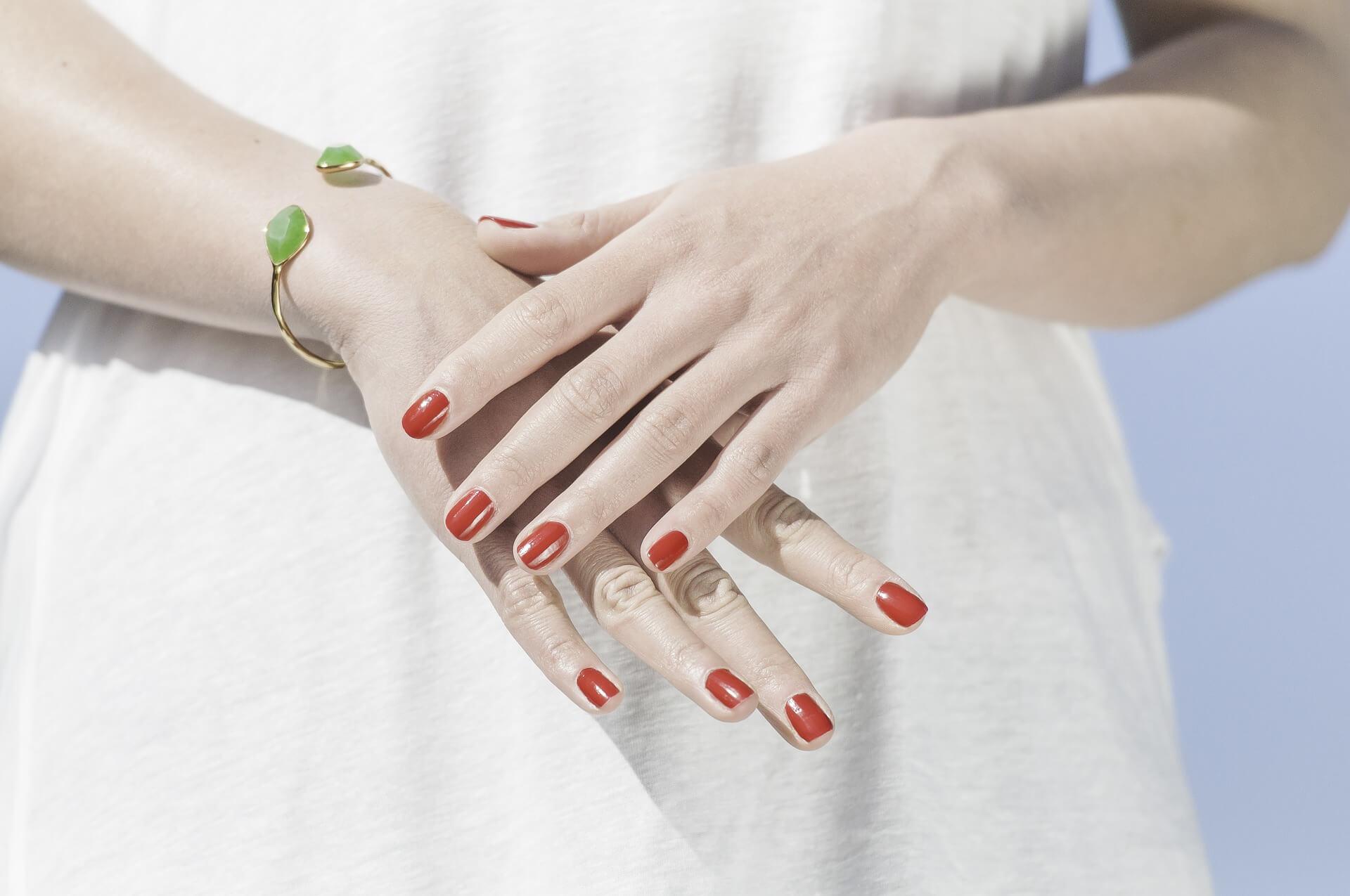 Najmodniejsze odcienie lakierów do paznokci